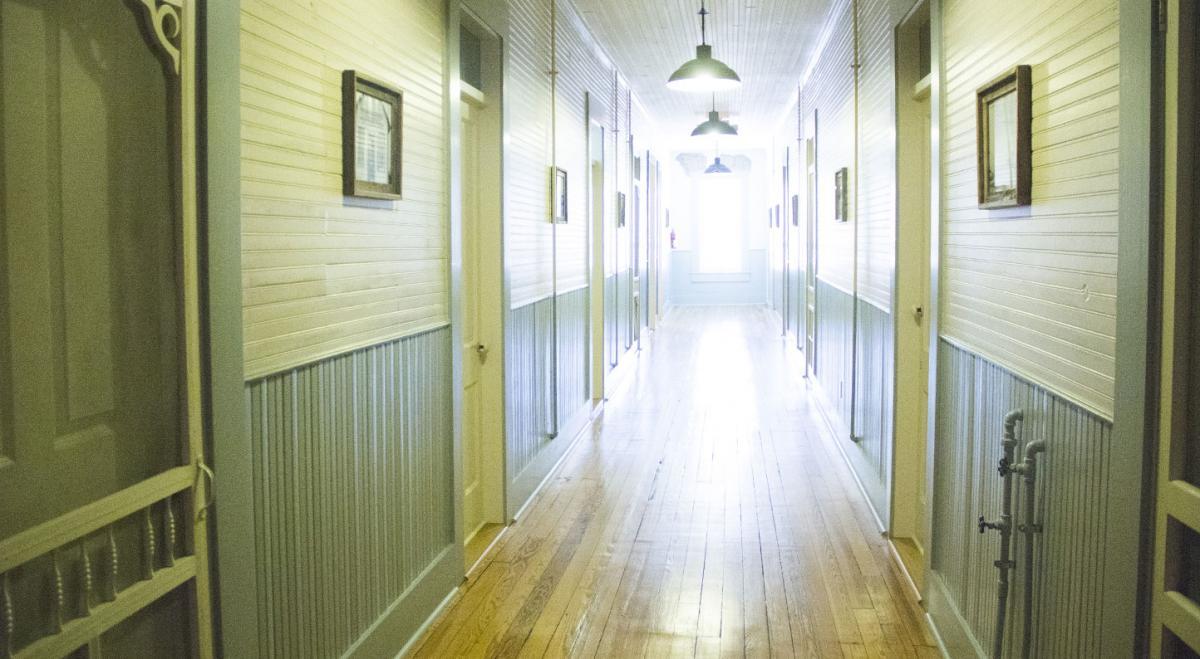 History Of The Screen Door Inn Screen Door Inn In Clifton Tx